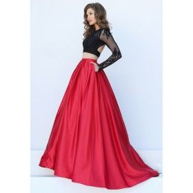 BLACK/RED GOWN