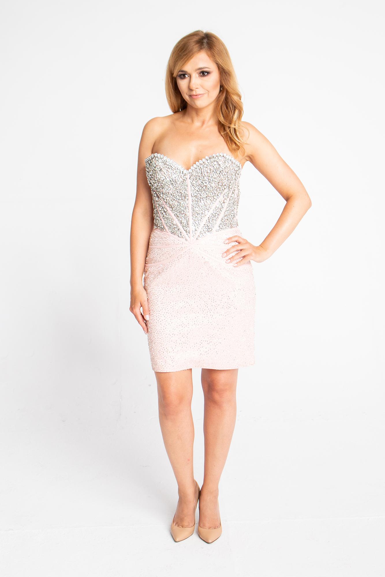 robe rose courte pour un mariage avec cr